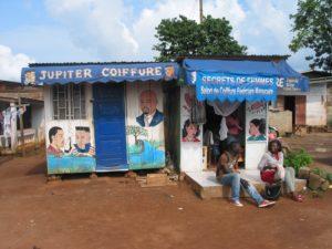 Einfacher Friseursalon in Kamerun