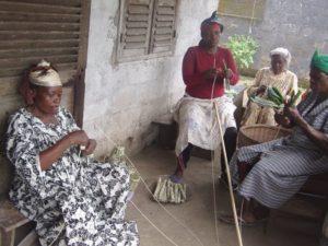 Frauen binden Miondo
